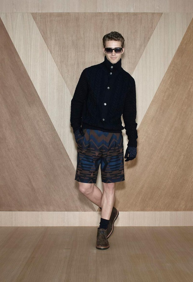 Мужские лукбуки Alexander McQueen, Comme des Garcons, Louis Vuitton и Club Monaco. Изображение № 59.