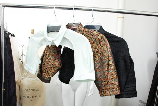 45 неожиданных идей для твоей рубашки. Изображение № 49.