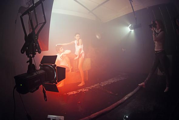"""Бэкстейдж со съёмок в аква студии в духе """"бойцовского клуба"""". Изображение № 4."""