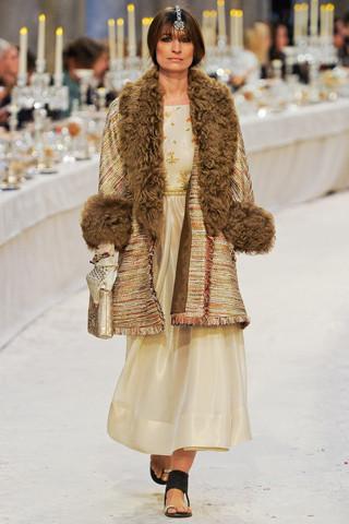 Chanel показали пре-осеннюю коллекцию. Изображение № 62.