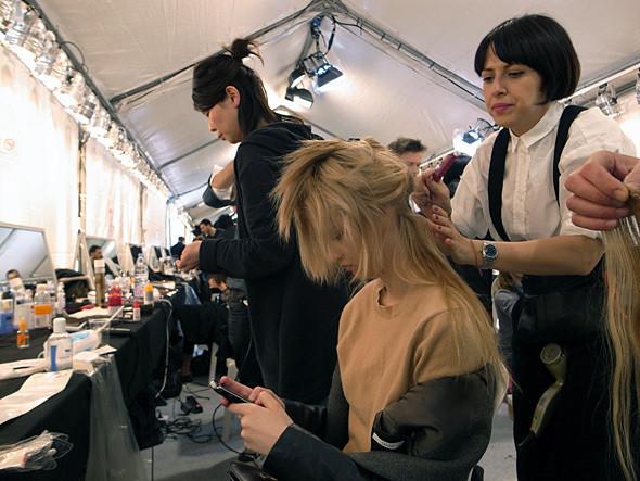 Изображение 22. Paris Fashion Week: два бэкстейджа.. Изображение № 17.