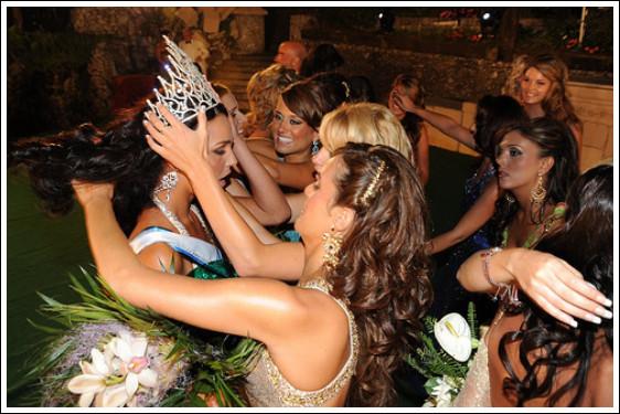 Самая красивая девушка живет в Гибралтаре. Изображение № 4.
