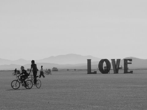 Burning Man 2011. Пыль и шарики. Изображение № 4.