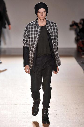 Неделя моды в Париже: мужские показы. Изображение № 92.