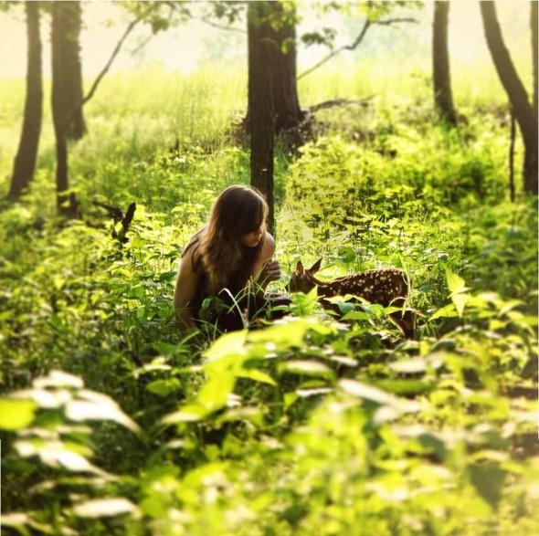 ЭМИЛИ ЛИ : девушка и олень. Изображение № 7.