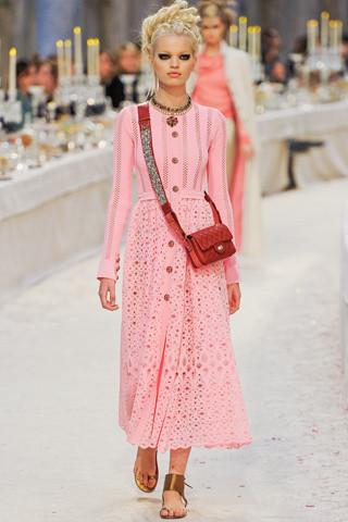 Chanel показали пре-осеннюю коллекцию. Изображение № 40.