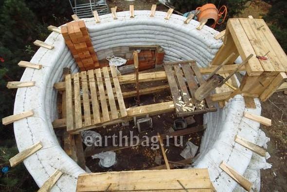 Проапокалиптический DIY - купол из мешков с землей - Earthbag building. Изображение № 4.