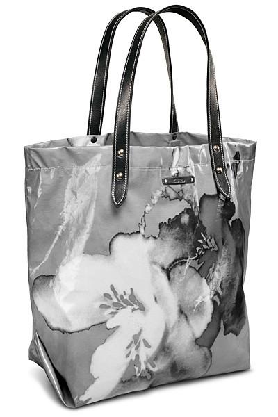 Изображение 54. Лукбуки: Louis Vuitton, Viktor & Rolf, Kenzo и другие.. Изображение № 37.