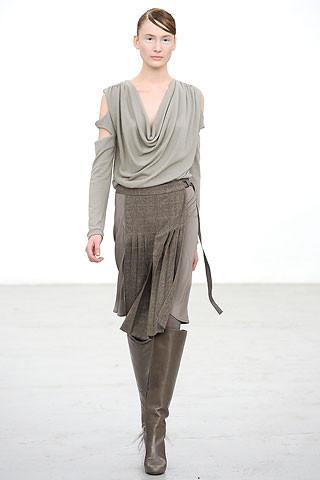 Новости моды: Выставки Chloe и Salvatore Ferragamo, Vogue в Таиланде и проект Michael Kors. Изображение № 2.