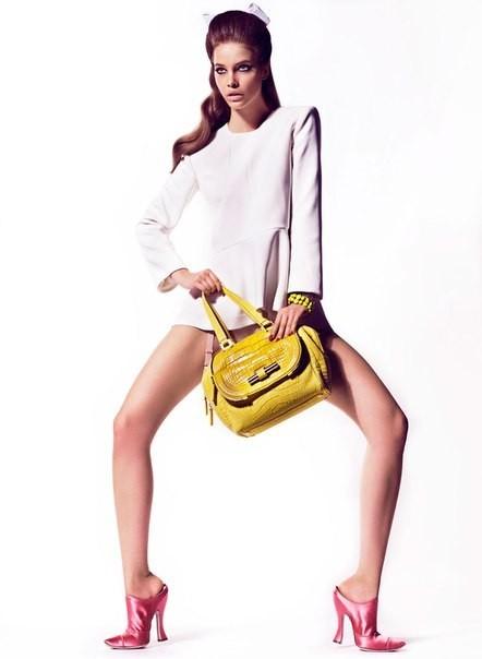 Cьемка: Барбара Палвин для Vogue Spain Febriary 2012. Изображение № 1.