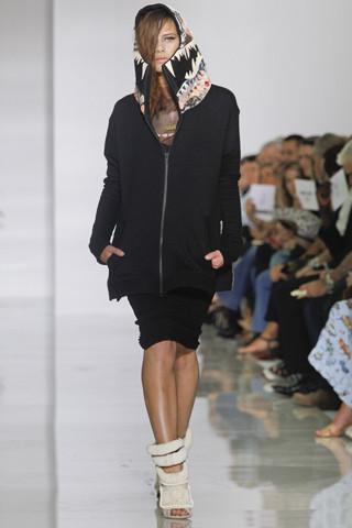 Epic fails: Увольнение Гальяно, коллекция Уэста и другие модные провалы 2011 года. Изображение № 7.
