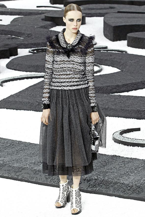 Карл Лагерфельд показал одну из самых красивых коллекций, когда-либо созданных для Chanel. Изображение № 40.