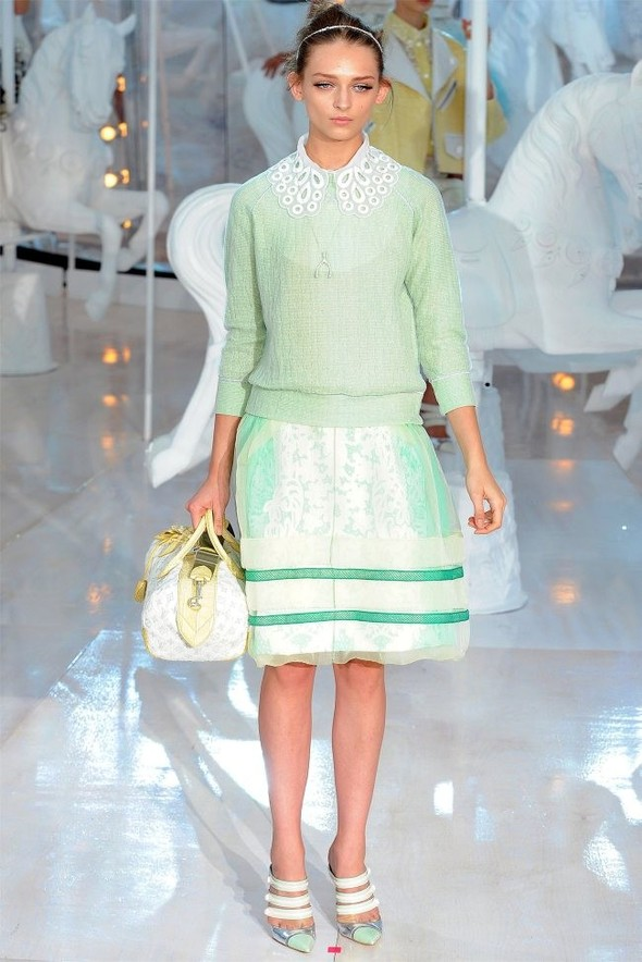 Неделя моды в Париже: Louis Vuitton весна 2012. Изображение № 13.