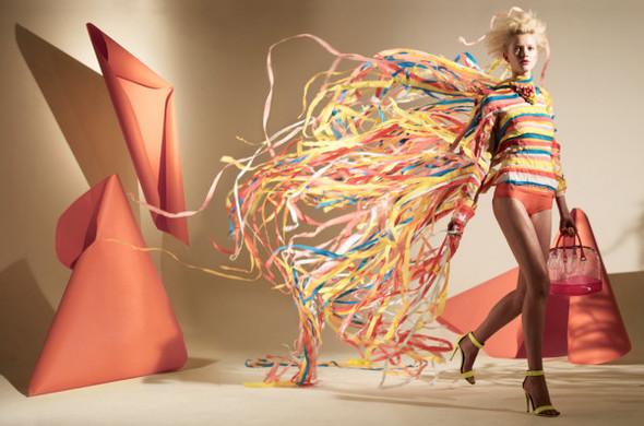 Платья из бумаги: Мэтью Броди для журнала Madame. Изображение № 1.