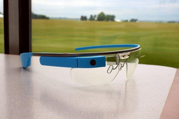 СМИ узнали о трёх устройствах назамену Google Glass. Изображение № 1.