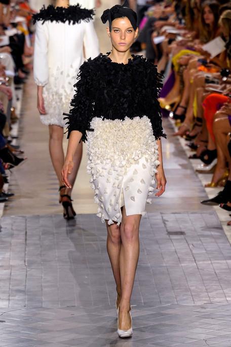 Изображение 5. Giambattista Valli Haute Couture FW 2011.. Изображение № 4.