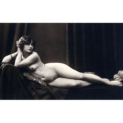 Части тела: Обнаженные женщины на винтажных фотографиях. Изображение №17.