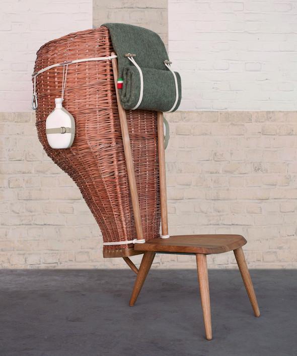 Патриотичное кресло-корзина. Изображение № 1.