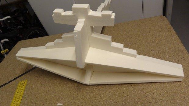 Энтузиаст собрал дрон в виде имперского крейсера. Изображение № 11.