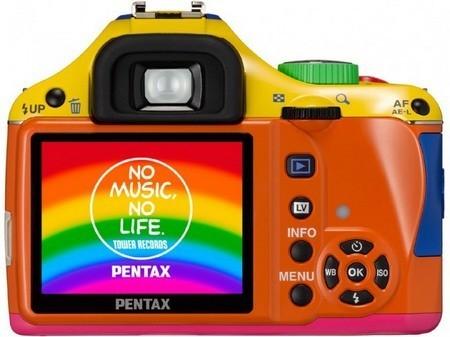 Эксклюзивная K-x -- больше сумасшедших цветов от Pentax. Изображение № 2.