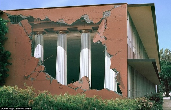 3D-маскировка городских стен от Джона Пью. Изображение № 1.