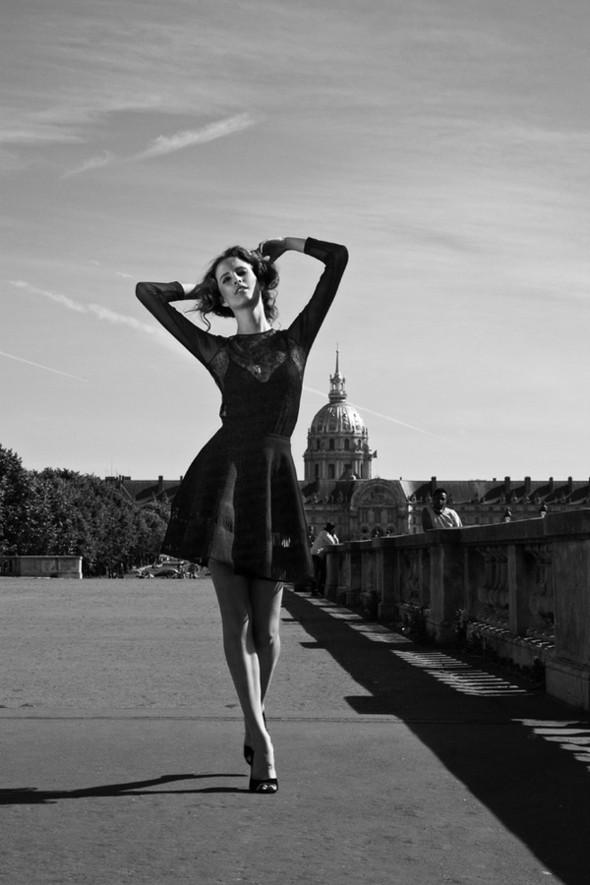 Съемка Douceur для сентябрьского номера болгарского MODA. Изображение № 10.