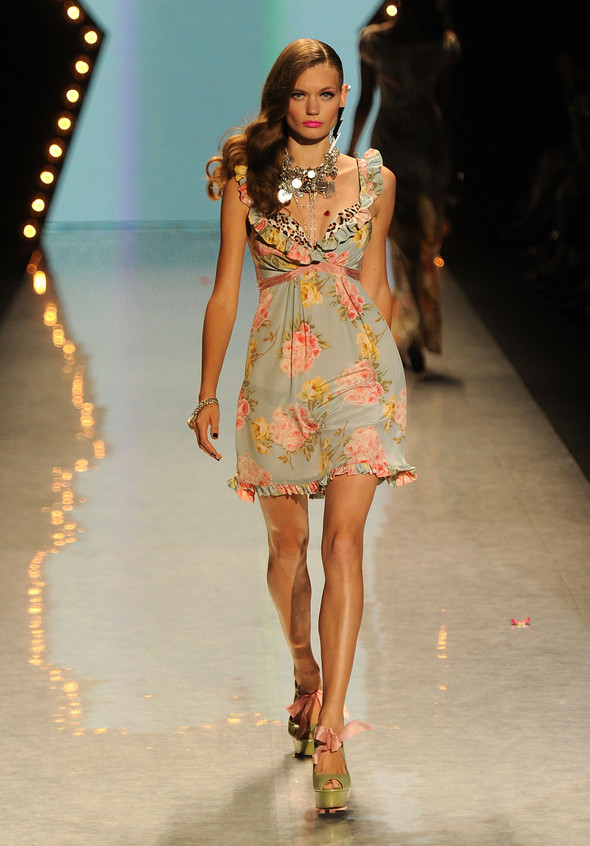 New York Fashion Week: Betsey Johnson Spring 2012. Изображение № 19.