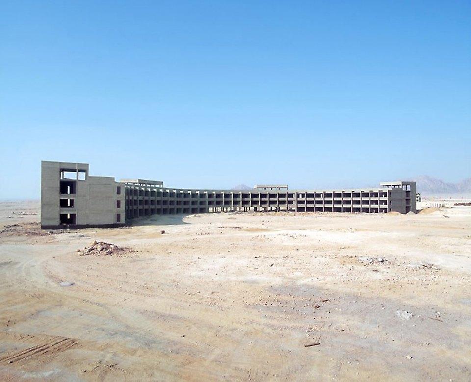 Что осталось от роскошных гостиниц в египетской пустыне. Изображение № 6.