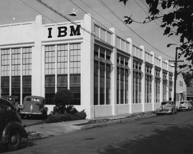 Первый в Сан-Хосе завод компании IBM. Открыт в 1943 году. На объекте работали чуть более 100 сотрудников компании. Изображение № 15.