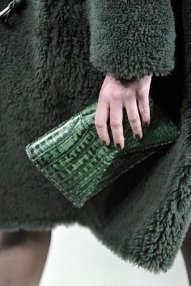 Сумки от Bottega Veneta (осень-зима 2010-2011). Изображение № 4.