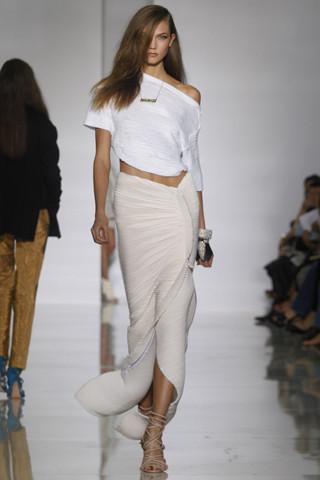 Epic fails: Увольнение Гальяно, коллекция Уэста и другие модные провалы 2011 года. Изображение № 6.