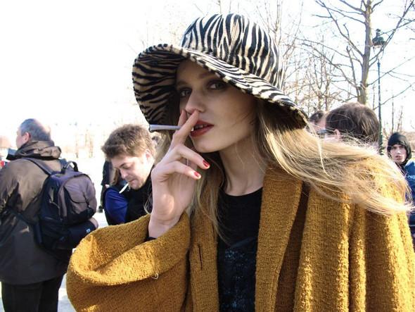 Луки с Недели моды в Париже. Изображение № 54.