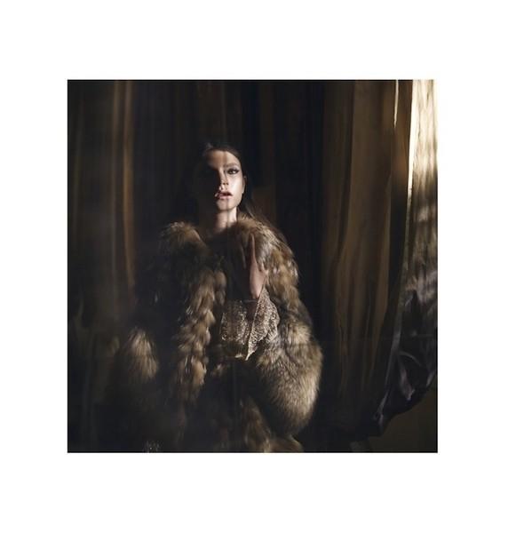 5 новых съемок: Harper's Bazaar, Qvest, POP и Vogue. Изображение № 42.