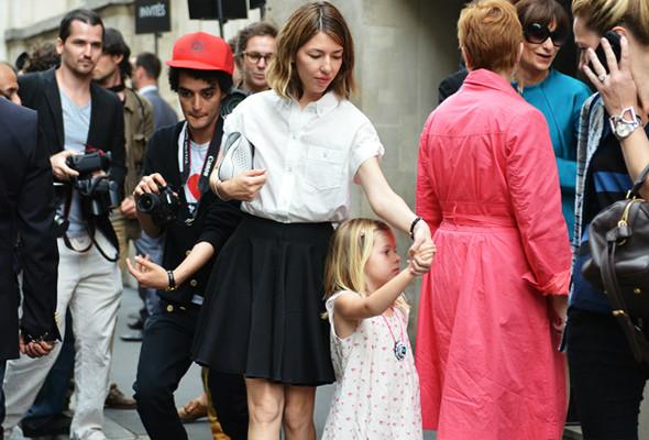 Уличный стиль на Неделе высокой моды в Париже. Изображение № 3.