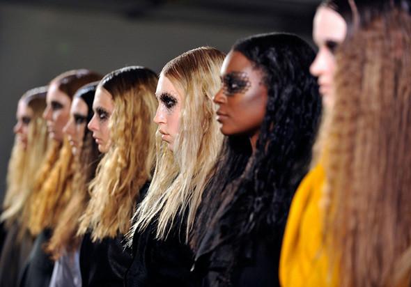 Изображение 22. Неделя моды в Нью Йорке: Бэкстэйдж.. Изображение № 22.