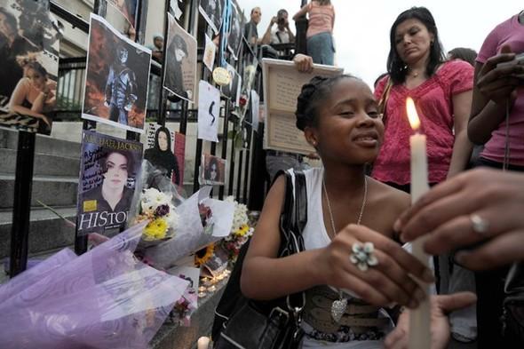 Панихида покоролю поп-музыки Майклу Джексону. Изображение № 25.