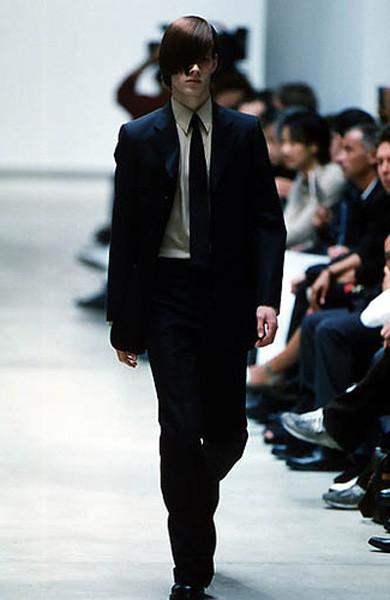 Yves Saint Laurent ss 2000 под руководством Эди Слимана. Изображение № 1.