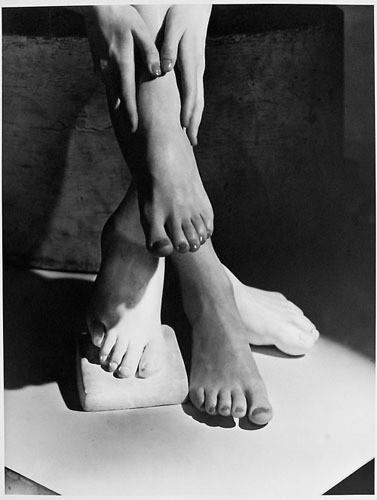 Части тела: Обнаженные женщины на винтажных фотографиях. Изображение №113.