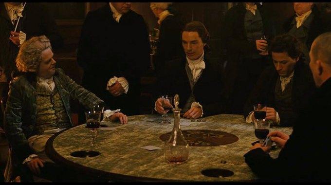 Бенедикт Камбербэтч  выпивает. Изображение № 6.