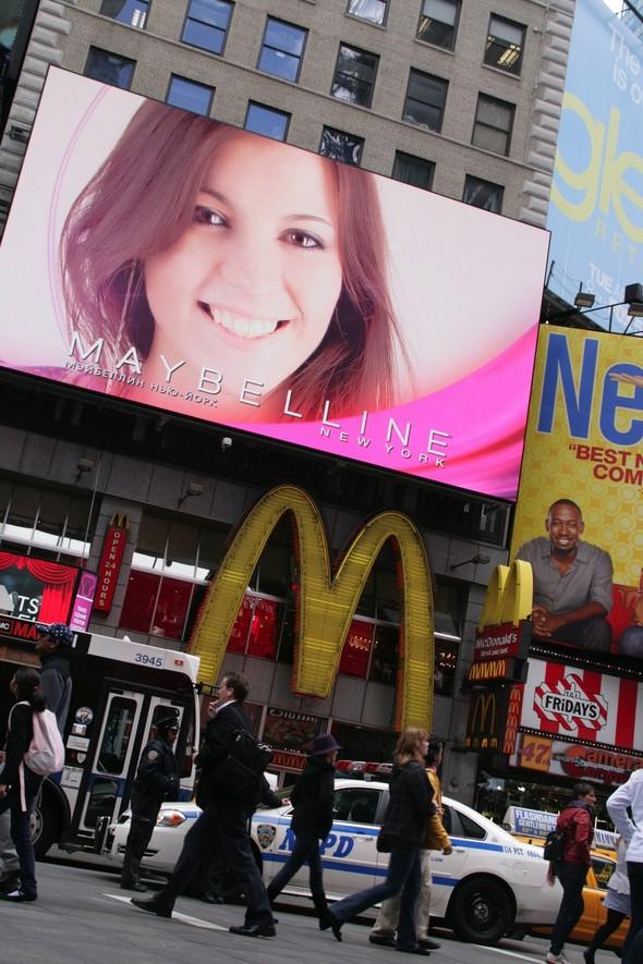 Как российские девчонки захватили Times Square. Изображение № 1.
