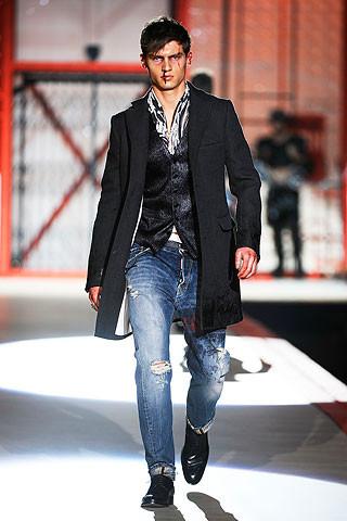 Что носить осенью: мужские показы в Милане. Изображение № 225.