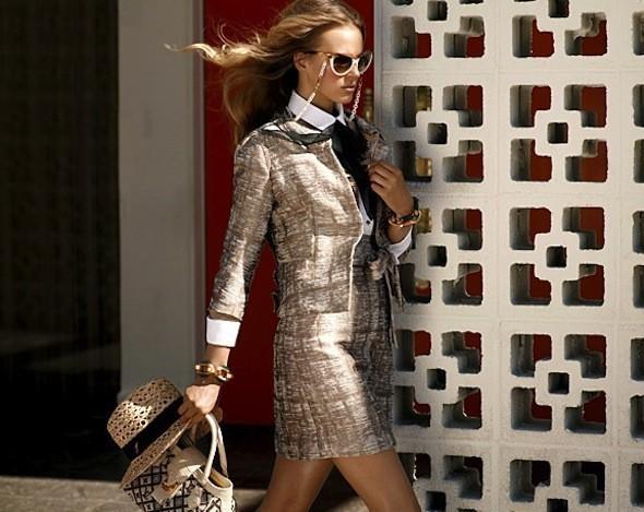 Лукбуки: Chloë Sevigny for Opening Ceremony, Louis Vuitton и Lou. Изображение № 24.