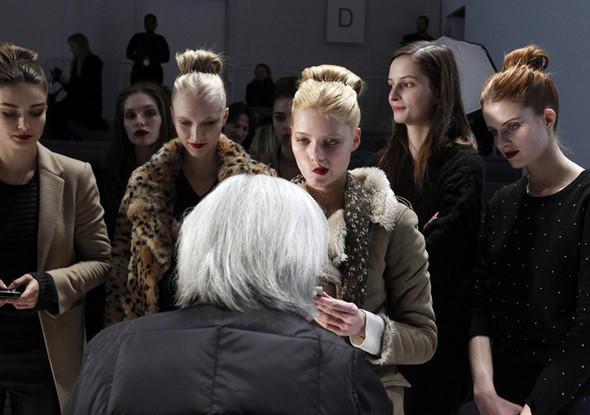 Изображение 16. Неделя моды в Нью Йорке: Бэкстэйдж.. Изображение № 16.