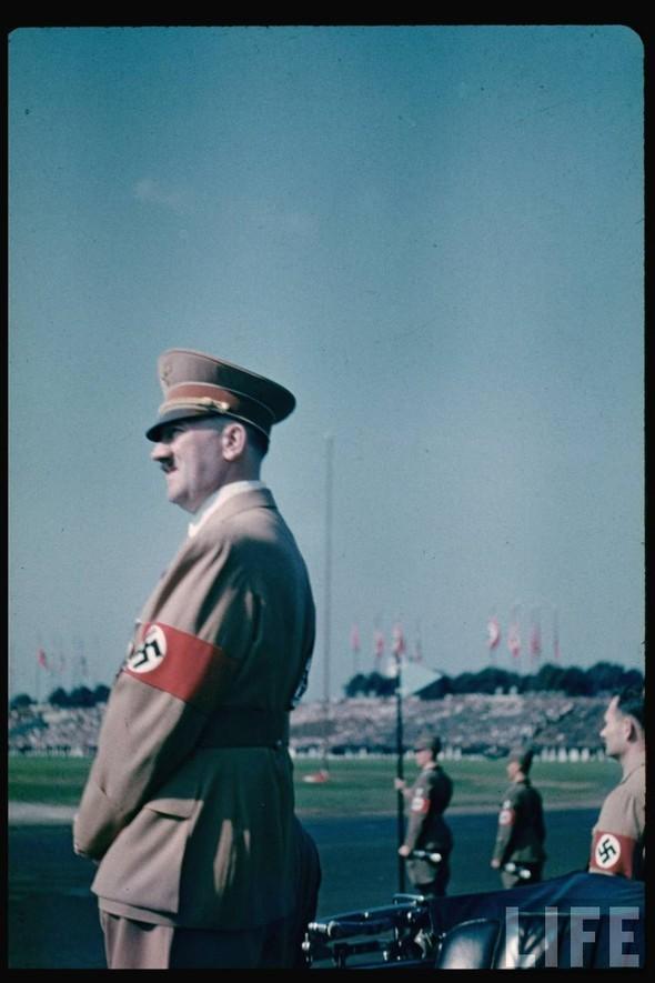 100 цветных фотографий третьего рейха. Изображение №16.