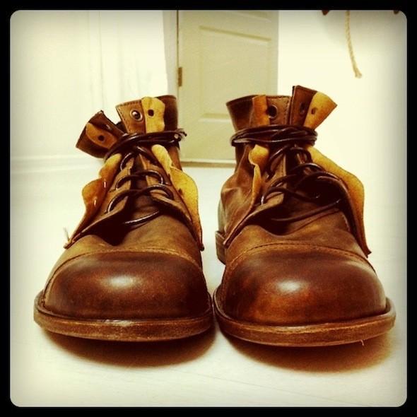 Помимо коллекционирования, Костя еще исам делает обувь под брендом Kofta. Изображение № 51.