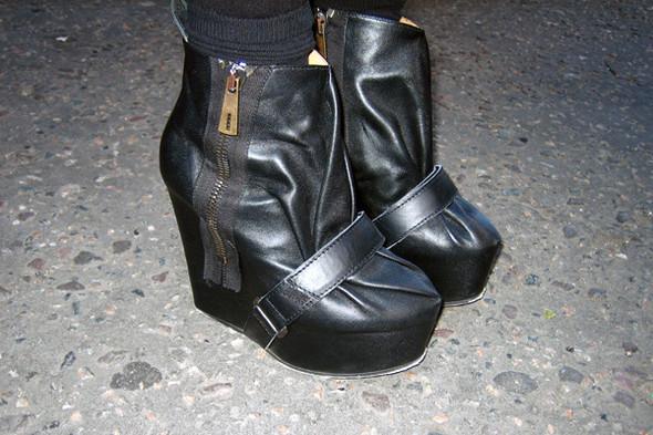 Обувь на неделе моды в Лондоне. Изображение № 9.