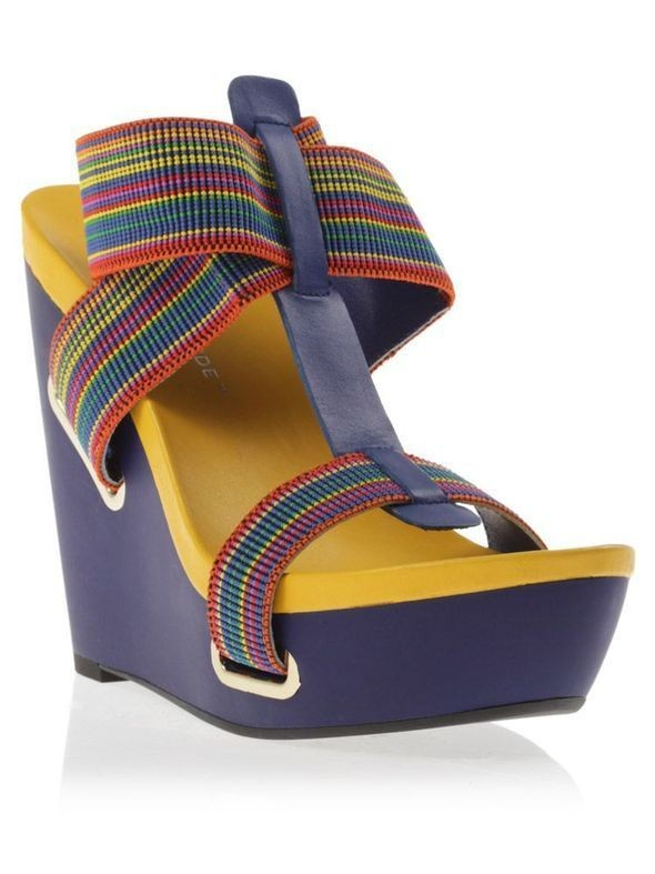 Изображение 46. Обувь: тренды лета 2011.. Изображение № 13.