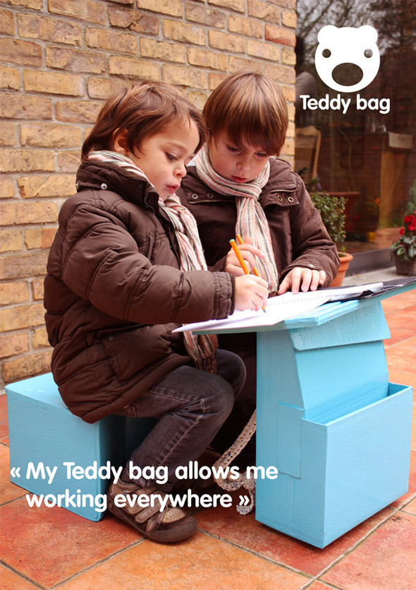 Изображение 1. Ранец-парта Teddy Bag.. Изображение № 2.