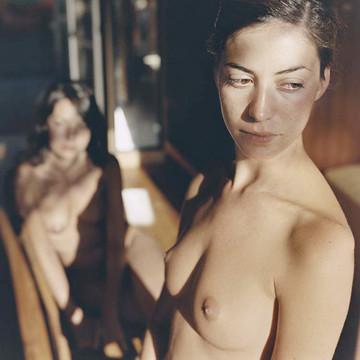 Части тела: Обнаженные женщины на фотографиях 1990-2000-х годов. Изображение №65.