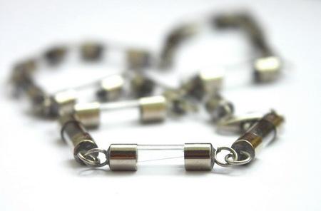 Потрясающие сережки-лампочки отTWoo. Изображение № 14.